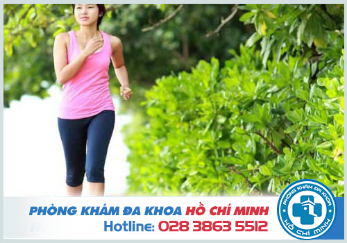 Tập luyện thể thao là cách giảm đau bụng kinh trong ngày đèn đỏ hiệu quả