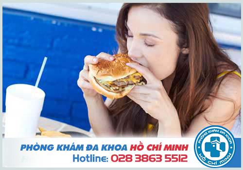 Chậm kinh 18 ngày do thói quen ăn uống không lành mạnh