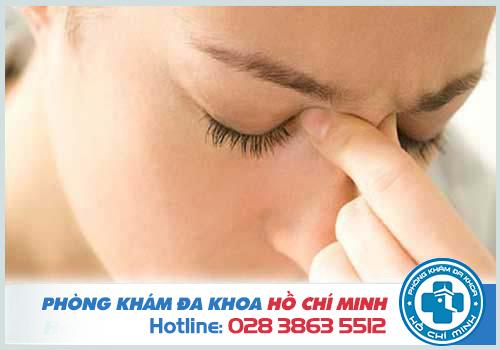 Người bệnh polyp mũi thường có triệu chứng đau đầu, chóng mặt