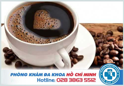 Nên hạn chế cà phê để cải thiện tiểu buốt, tiểu són