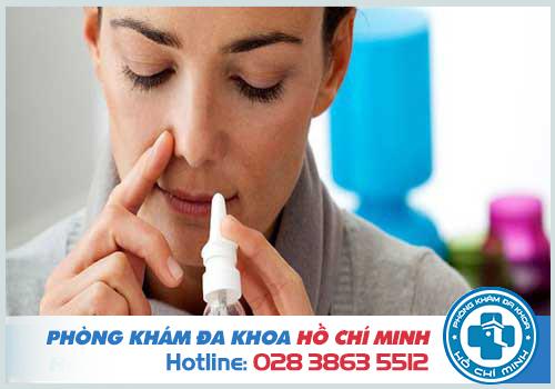 Dịch mũi có lẫn máu là bị gì? Có nguy hiểm không