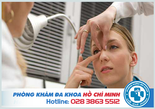 Dịch mũi có lẫn máu có nguy hiểm không?