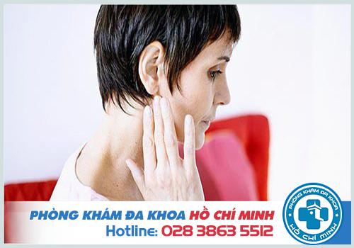 Khám ù tai là việc làm cần thiết để kiểm soát bệnh vùng đầu mặt
