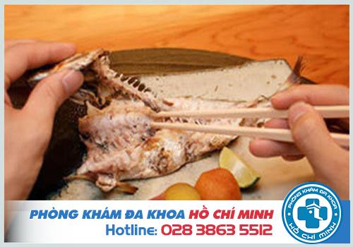 Mẹo chữa hóc xương cá bằng đũa tại nhà có hiệu quả không?
