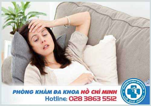 Thai phụ đau bụng, mệt mỏi khi bị nhiễm trùng đường tiểu
