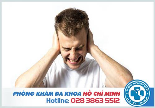 Khi tai bị ù và đau thì nên nhanh chóng gặp bác sĩ để khám chữa