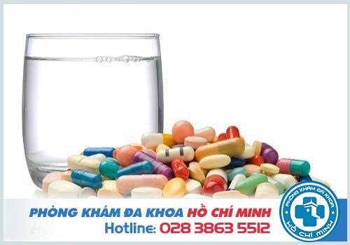 Trễ kinh do tác dụng phụ của thuốc