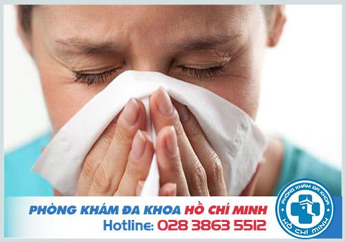 Viêm mũi họng xuất tiết là gì