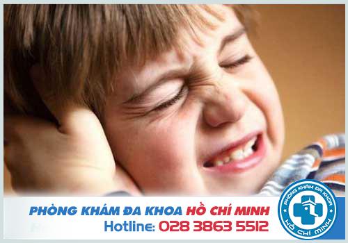 Viêm tai giữa cấp có mủ ở người lớn và trẻ em nguy hiểm không?